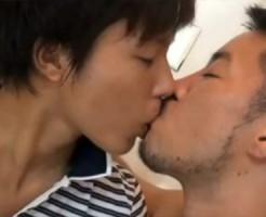 【ゲイ動画 pornhub】かわいい童顔イケメンとイカニモアニキの愛情たっぷりのイチャラブアナルセックス!!