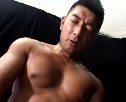 【ゲイ動画 redtube】たくましい尻を舐めまくりガチガチになった肉棒でガン掘りセックス。最後は大量ぶっかけ