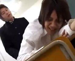 【ゲイ動画 erovideo】誰もいない放課後の教室の秘密…クラスメイトと居残りでエッチしちゃう!
