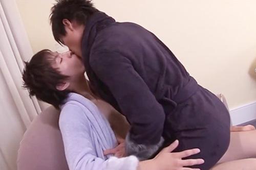 【ゲイ動画 pornhub】2ヵ月に1度にしか会えないゲイカップル・・溜まりに溜まった情欲が我慢できずホテルに入るなり即結合し互いの愛を確かめあうBLファック!