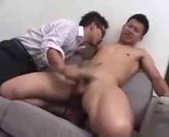 【ゲイ動画 pornhub】真面目そうな短髪イケメンは実はドMで敏感ボディの持ち主!