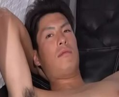 【ゲイ動画 xvideos】お金に釣られてきてしまったノンケスポーツマンがカメラの前でイカされる!