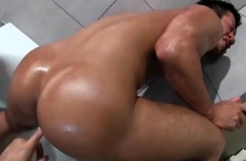 18.02.04-2-gay-muscularvideos.danjirimaturi