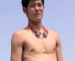 【ゲイ動画】某名門大学のイケメン水泳部員がの野外露出オナニー!競パンからハミでるデカマラが…