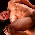 【ゲイ動画】マッチョ日本人のアナルvs黒人のデカマラ22cm!あまりの太さに前立腺をゴリゴリに刺激されトコロテン!