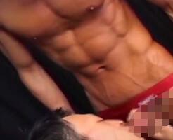 【ゲイ動画】競パンはセックスの最後まで脱がさないスタイルを貫く一本スジの通った男たち!割れた腹筋、浮き出る血管、脈打つペニス…