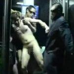 【ゲイ動画】深夜の電話ボックスでノンケをレイプする事案が発生!「痛い!」と泣き叫びながらケツマンを次々に掘られる…