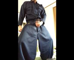 【Tumblr動画】作業着がそそる。男らしい立ち姿のガテン系兄貴が自撮りオナニー公開