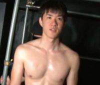 【ゲイ動画 pornhub】この若者、いい目をしておるな・・・ピュア100%の純潔ノンケBOYがこの後汚されます!