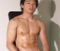 【ゲイ動画 pornhub】ギャル男に大量顔射!スジ筋イケメンが手コキフェラアナルSEXでザーメンまみれ!!