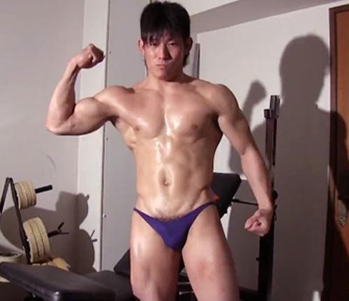 8.18-gay-muscularvideos.danjirimaturi