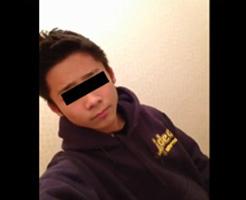 【無修正ゲイ動画】●学生くらいに見えちゃう素人少年がオナニー披露しているスマホ自撮り映像…