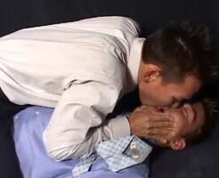 【ゲイ動画】パワハラ上司に耐えかねた部下リーマンの逆襲が始まる!スーツを脱がし本能の赴くままにケツマンをレイプ